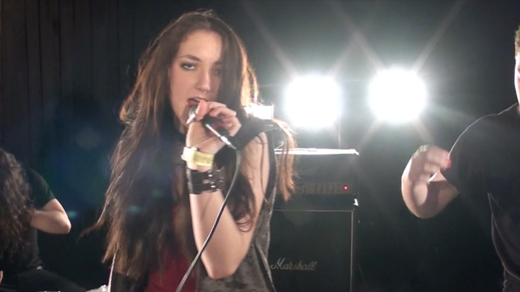 Niki Angels - The Overnight Angels Vocalist